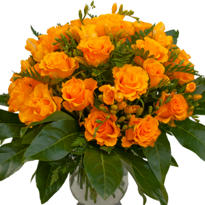 Bouque romantico con rose arancio e fresie